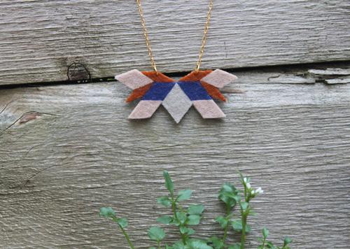 felt_necklace-4.jpg