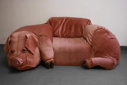 pig_couch_hillhock.jpg