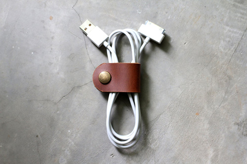 leather_cable_band.jpg